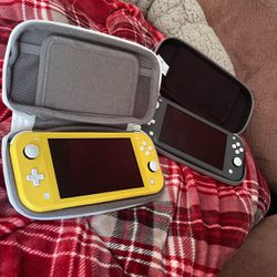 Nintendo Switch Lite Yellow&Gray Bundle for Sale in Gladstone,  OR