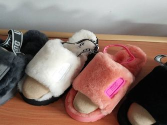 UGG SLIDES for Sale in Snellville,  GA