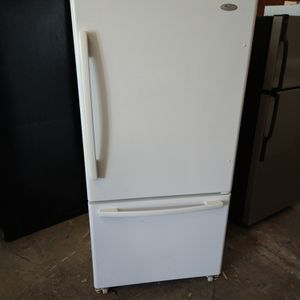 21 Cubic Ft Refrigerator for Sale in Jacksonville, FL