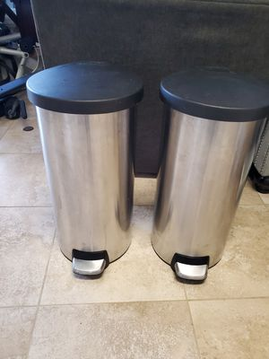 2 garbage cans for Sale in Lynnwood, WA