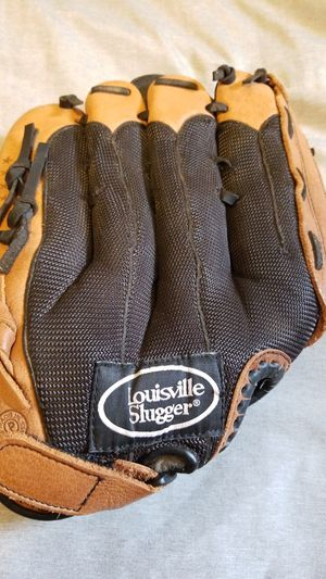 Softball glove for Sale in Irwindale, CA