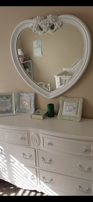 Dresser/ Crib/ Mirror All solid wood. White for Sale in San Diego, CA