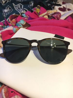 Ray Ban Erika Classic Women Sunglasses for Sale in Philadelphia, PA