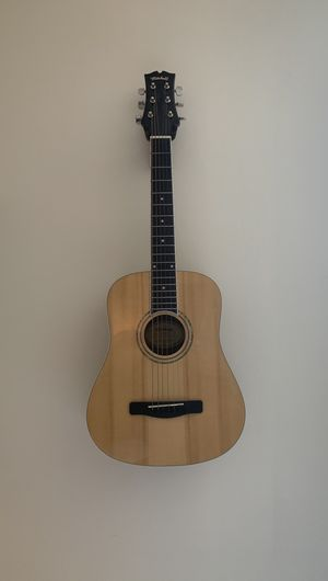 Jr Guitar for sale (great condition and perfect for travel) for Sale in Miami Beach, FL