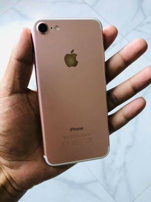 Iphone 7, Factory Unlocked..( Almost New Condition) for Sale in Springfield, VA