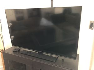 Flat screen TV (remote included) for Sale in Los Angeles, CA