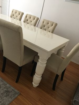 Modern dining table with 8 chairs in white color for Sale in Los Angeles, CA