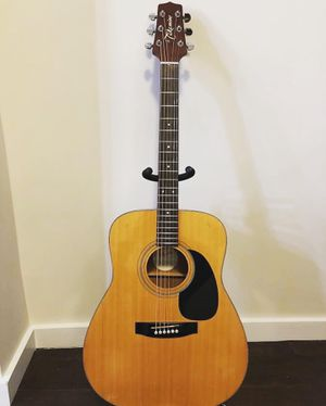 Takamine G330 acoustic guitar for Sale in Hawthorne, CA