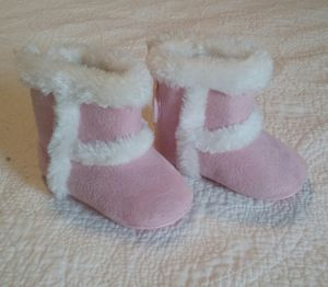 Girls boots size 4 for Sale in NC, US