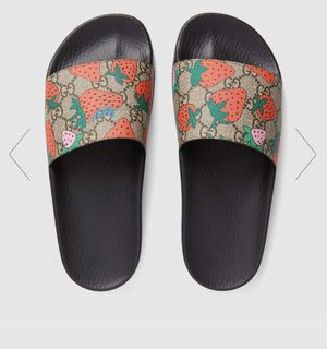 Women's Gucci slides size 5 for Sale in Woburn, MA