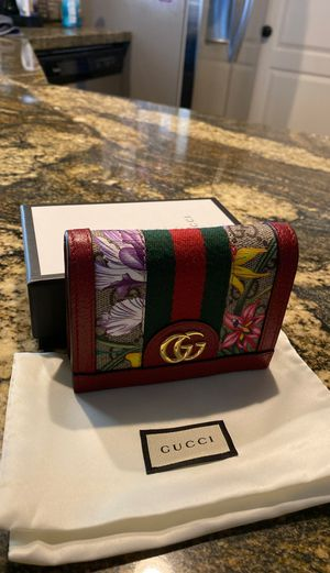 Gucci wallet for Sale in Fresno, CA