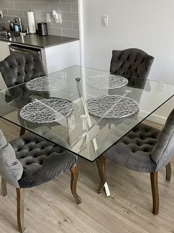 Modern Glass Dining Table with Velvet tufted chairs for Sale in Carson,  CA