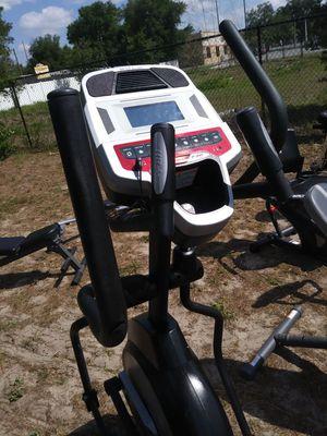 E 20 sole elliptical for Sale in Tampa, FL