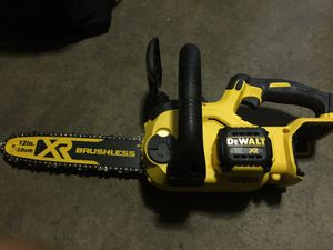 Dewalts motosierra chainsaw for Sale in Fontana, CA