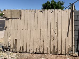 Free Gate and Pallets for Sale in Gilbert, AZ