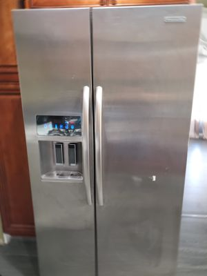 Kitchenaid refrigerator almost new for Sale in Pomona, CA