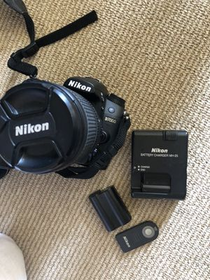 Nikon d7000 with lens, 2 batteries for Sale in West Hollywood, CA