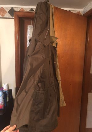 Burberry trench coat size 8 in women for Sale in Riverdale Park, MD