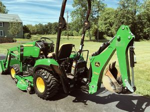 John Deere 1023E Tractor Loader Backhoe 54D Mid Mower for Sale in Fresno, CA