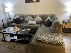 Living room set tables,couch for Sale in Burbank, CA