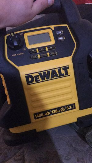 Dewalt battery jump box with air compressor built in for Sale in Kelso, WA