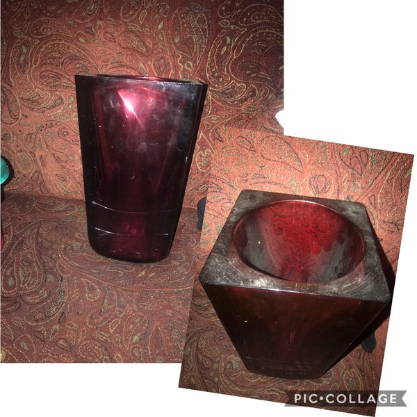 Nice Dark Amethyst Thick & Heavy Square Vase $10. . No Chips or Cracks- needs cleaned Walgreens Oakland Canada rd wolfchase Kirby whitten and stag