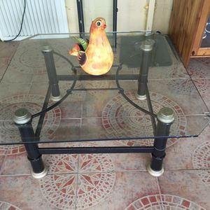 Glass coffee table $30.00 for Sale in Hialeah, FL