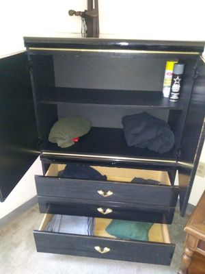 Bedroom set need gone asap for Sale in Baltimore, MD