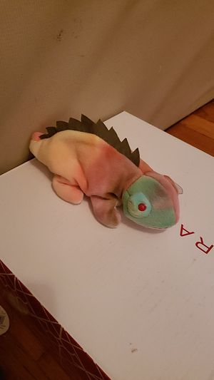 Rainbow Iggy ( Beanie baby) for Sale in East Wenatchee, WA