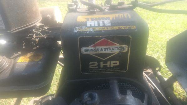 Lawnmower front catcher briggs and Stratton in excellent conditions ready 2 use