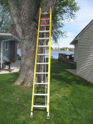 Used 28ft fiberglass ladder for Sale in Indianapolis, IN