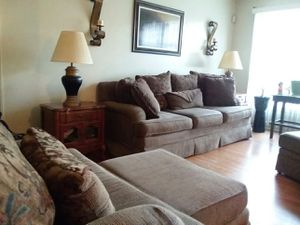 5 piece living room set Plus end tables and lamps for Sale in Nashville, TN