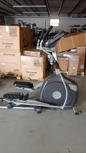 Spirit Elliptical. Great condition for Sale in Hopewell, VA