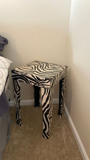 End Table for Sale in Yorktown, VA