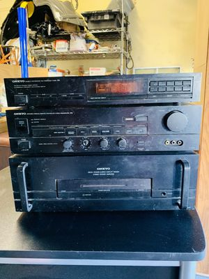 Onkyo circuit amp tuner for Sale in Bell Gardens, CA