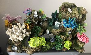 FAUX CORAL FOR SALTWATER FISH TANK for Sale in Davenport, FL
