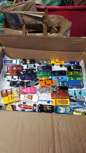 Lot of 40 diecast cars!! for Sale in Beaverton, OR