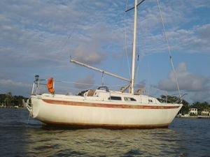 Ericson 27ft sailboat for Sale in West Palm Beach, FL