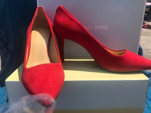 MICHAEL KORES- SIZE 7.5M- SUEDE LEATHER for Sale in Atlanta, GA