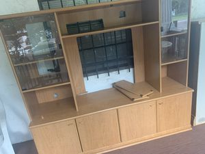 Free entertainment center must pick up for Sale in Tampa, FL