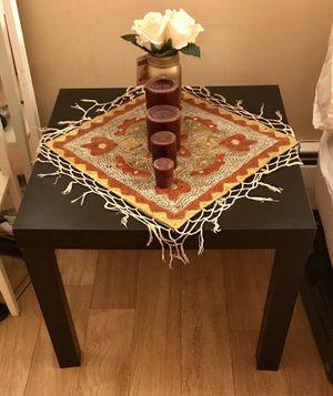 Side table for Sale in Detroit, MI