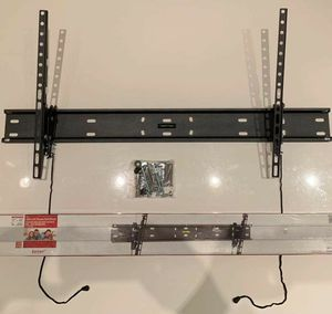 """NEW Universal 37"""" to 80"""" tilt adjustable tilting tv television wall mount bracket 110 lbs capacity include hardware and screws for Sale in Whittier, CA"""