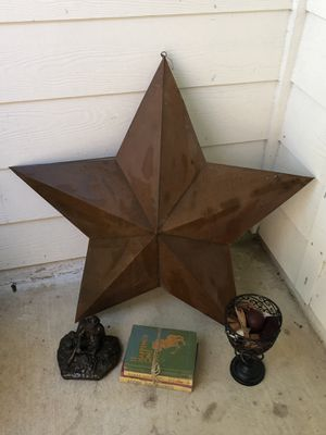 36 inch metal star wall decor with decor in 1st pic for Sale in Katy, TX