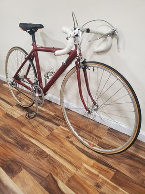 Cannondale road bike for Sale in Brooklyn, NY