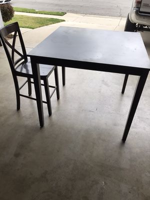 Kitchen table w/ 4 chairs for Sale in Rancho Cucamonga, CA