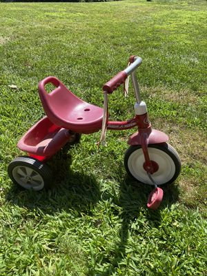 Radio flyer tricycle for Sale in Naugatuck, CT