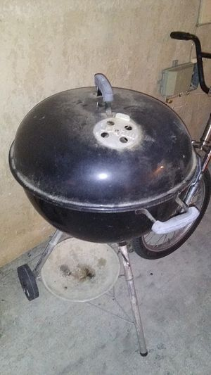 Weber charcoal bbq grill for Sale in Riverside, CA