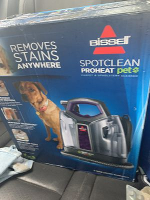 Bissell pet stain carpet cleaner for Sale in Bentonville, AR