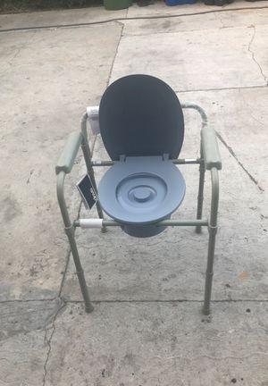 silla para banarse o aser del bano for Sale in Los Angeles, CA