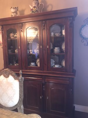 2 Piece mahogany China Cabinet with lock key for Sale in Fort Lauderdale, FL